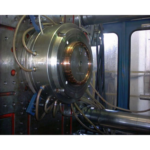 Coperchio 20 litri con tre versioni di flex spout